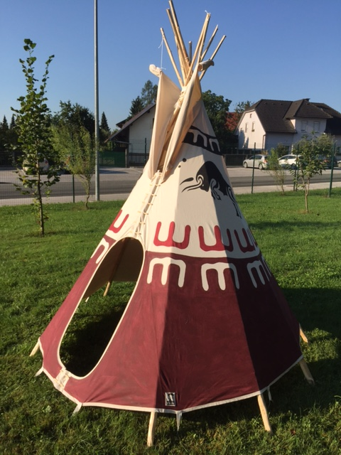 indianerzelt im kindergarten indianerzelte handcrafted tents bighead. Black Bedroom Furniture Sets. Home Design Ideas